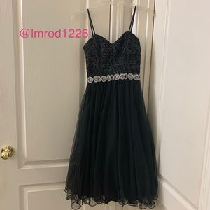Juniors Size 5 -Cocktail/Princess Silhouette dress